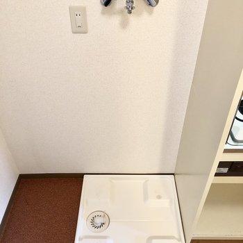 キッチンの隣に洗濯機置き場。※写真は前回募集時のものです