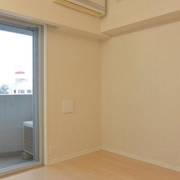 斜めからも※写真は11階の同間取り別部屋のものです