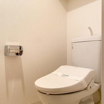 トイレは温水洗浄付きで嬉しい。