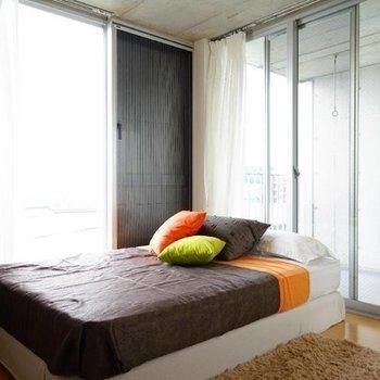 2階は寝室として丁度良い!※写真は同階の反転間取り別部屋のものです。