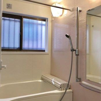 浴室に窓!