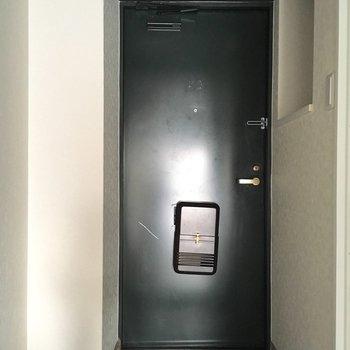 重厚感のある玄関。