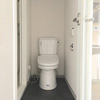 おトイレは奥まったところにあります!
