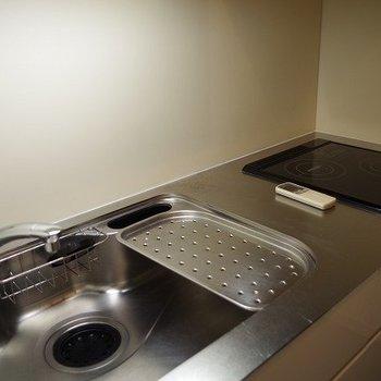 キッチンスペースも広い! ※写真は2階似た間取り別部屋のものです。