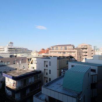 眺望が気持ちいい!ベランダに出て、右を向くと都庁が見えます!