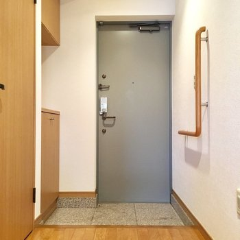 ゆったり玄関。※写真は3階の同間取り別部屋ものです