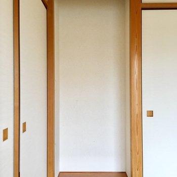 【和室】木の柱も、威圧感はなく控えめでかわいらしい。※写真は3階の同間取り別部屋ものです