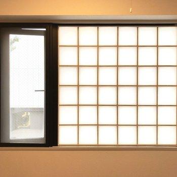 ガラスブロックから透ける光◎