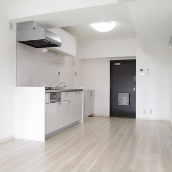 【LDK】キッチンも広いですよね〜