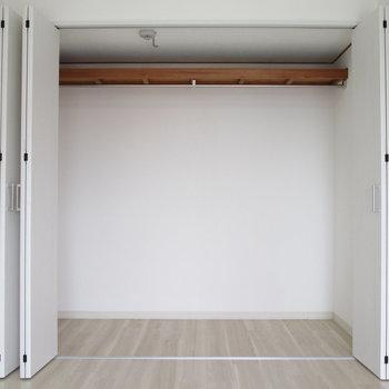【洋室】もちろん扉は端に寄せられます。