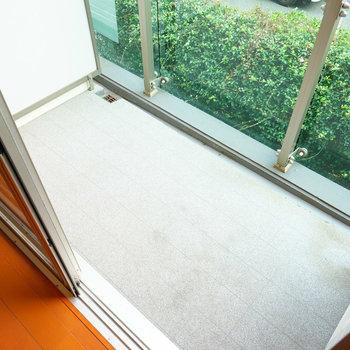 バルコニーもゆったりです♪※写真は2階の同間取り別部屋のものです