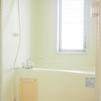 窓もあって換気は安心。※写真は4階の反転間取り別部屋のものです