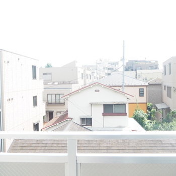 ひらけている眺望ですね。※写真は4階からの眺望のものです