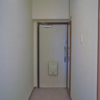 玄関はこんなかんじ