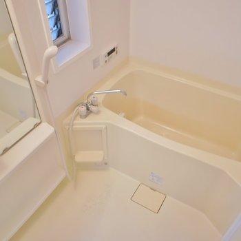 浴室乾燥、追い炊き、窓付き