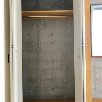 上まで使って居室を広く使いましょう。※写真は通電前のものです
