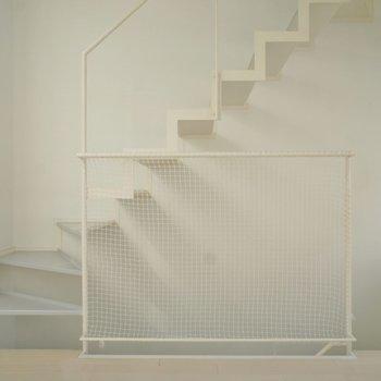 お洒落な階段にきゅんっ♡こちらで3Fへ!※写真は前回募集時のもの。