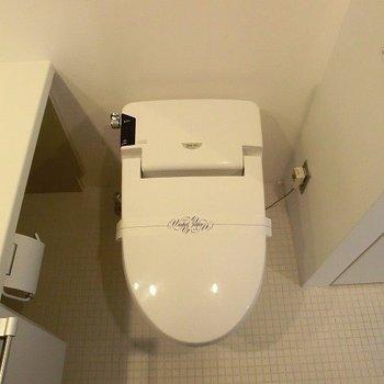 温水洗浄付いています!※写真は11階の同間取り別部屋のものです