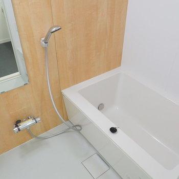 ゆったりサイズのバスルームです※写真は前回募集時のものです