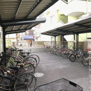 駐輪場は屋根付きです※写真は前回募集時のものです