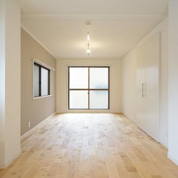 【イメージ】14畳の広いリビングには窓が2つも。明るい暮らしになりそう