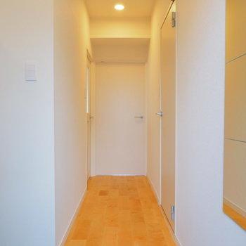 玄関はスラッと伸びた廊下に※写真は前回募集時のものです