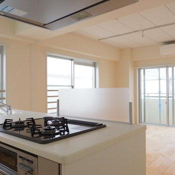 キッチンからの眺めも開放感溢れます。※写真は前回募集時のものです