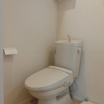 清潔感溢れるデサイン。※写真は1階の反転間取り別部屋です。
