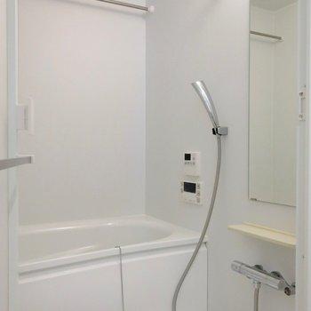 バスルームは浴室乾燥も付いてます!
