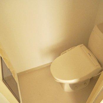 トイレにも収納が※写真は通電前のものです