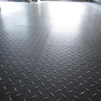 床は鉄板みたいですね。※写真は前回募集時のものです。