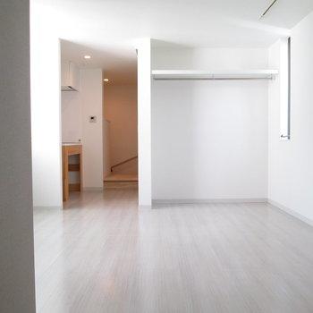壁から見た時のお部屋です。