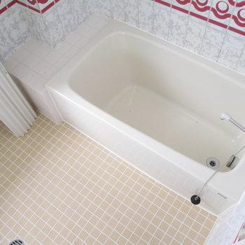 浴槽も広いのでゆっくり入れますね♪