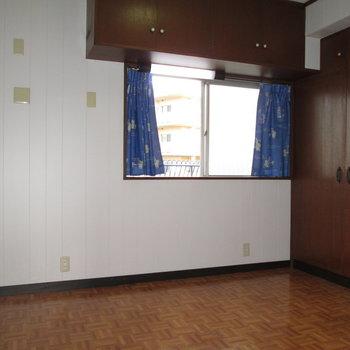 【WIC側の洋室】収納たくさんのお部屋です!