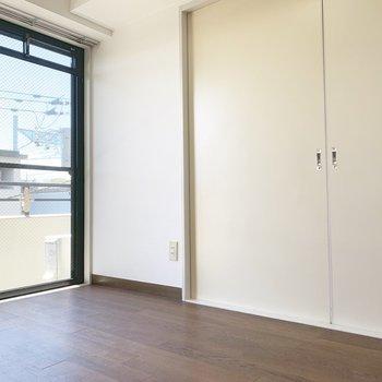 【DK】和室とキッチンには仕切りもありますよ。