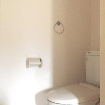 左には実はトイレが隠れております※写真は通電前のものです