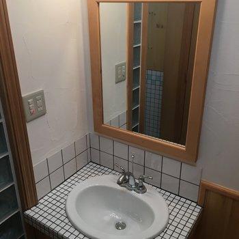 洗面台のディテール!※写真は1階の反転間取り別部屋です。