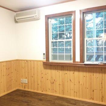 寝室にも窓あります。※写真は1階の反転間取り別部屋です。