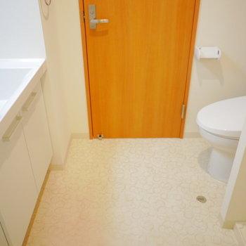 トイレと同室です
