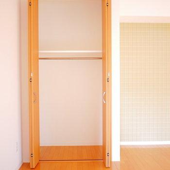 収納も扉が高くへ上の方もスペースがたっぷり