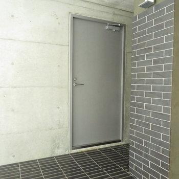 小上がりのスペースが玄関のようなもの