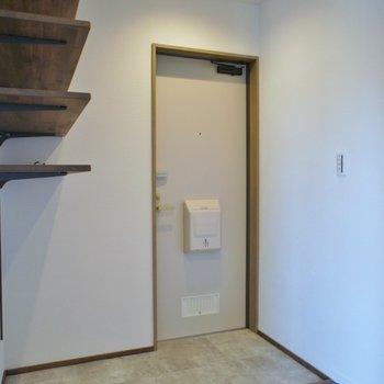 広めの玄関※写真は、前回撮影時のもの