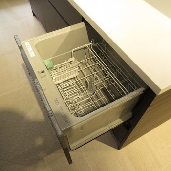 その下には食器洗い機が※写真は前回募集時のもの。