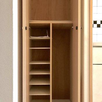 シューズボックスは大きさが様々で仕舞いやすい!(※写真は15階の同間取り別部屋のものです)