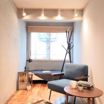 この照明が良いんです◎ ※家具は見本です。
