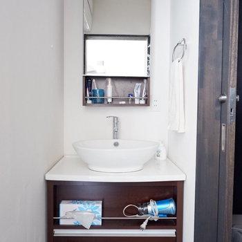 洗面台は1階部分に2箇所あります。