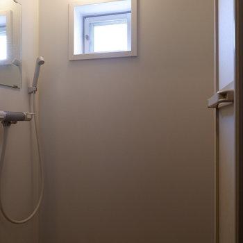 あとはシャワールームがあります。