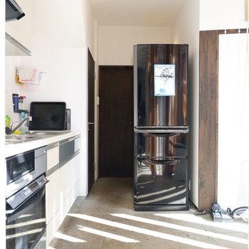 キッチンも明るいですね!