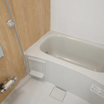 【イメージ】お風呂は新品ユニットバス!追い焚きもついてます
