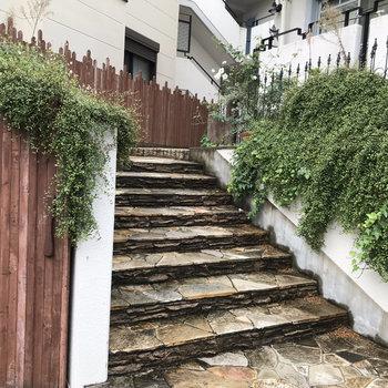 階段も可愛らしい!